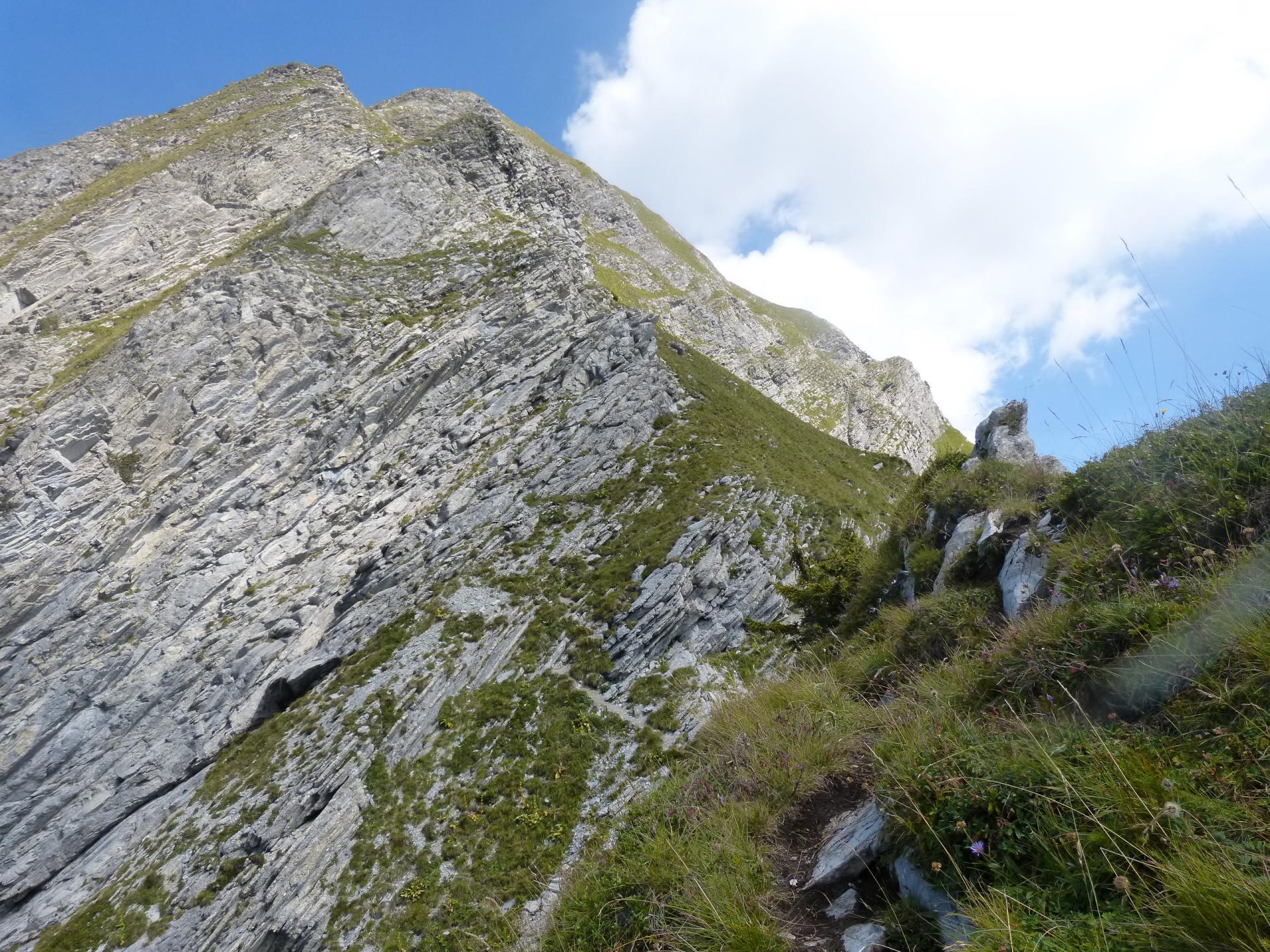 A la sortie du Golet, vue sur le mont Charvin