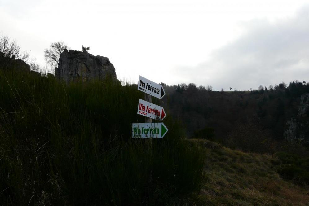 les trois parcours de la via des rochers de la Miramande