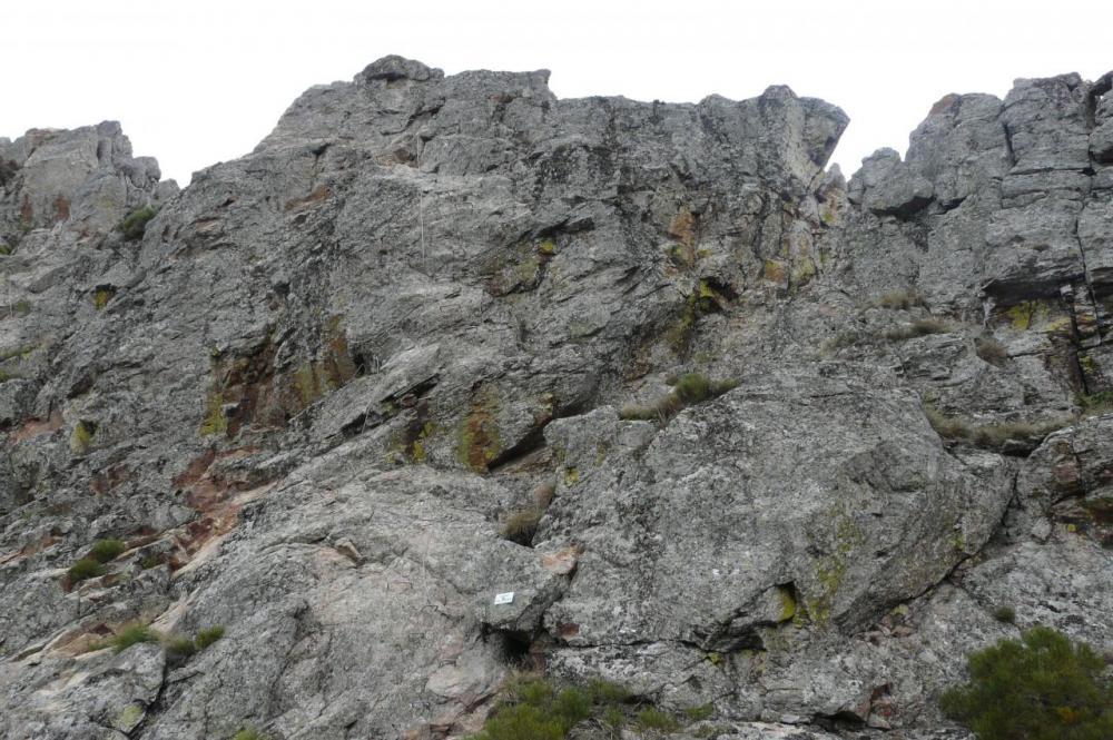 dans la rouge (rochers de la Miramande)