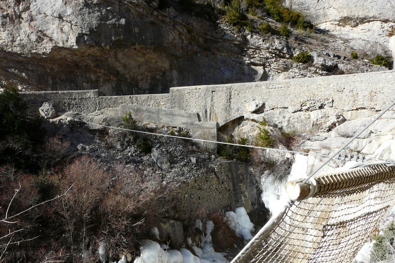 Route et départ tyrolienne