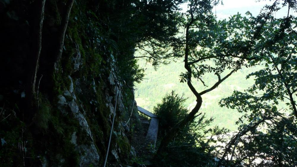 le véritable départ de la via de la grotte à Hostias
