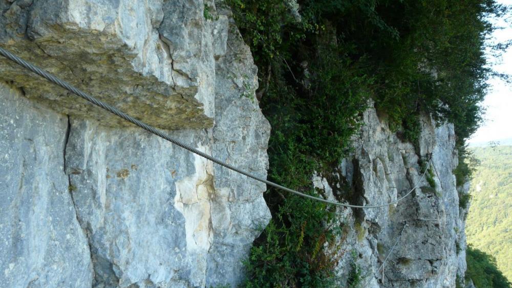 le pont de singe de la via de la grotte à Hostias