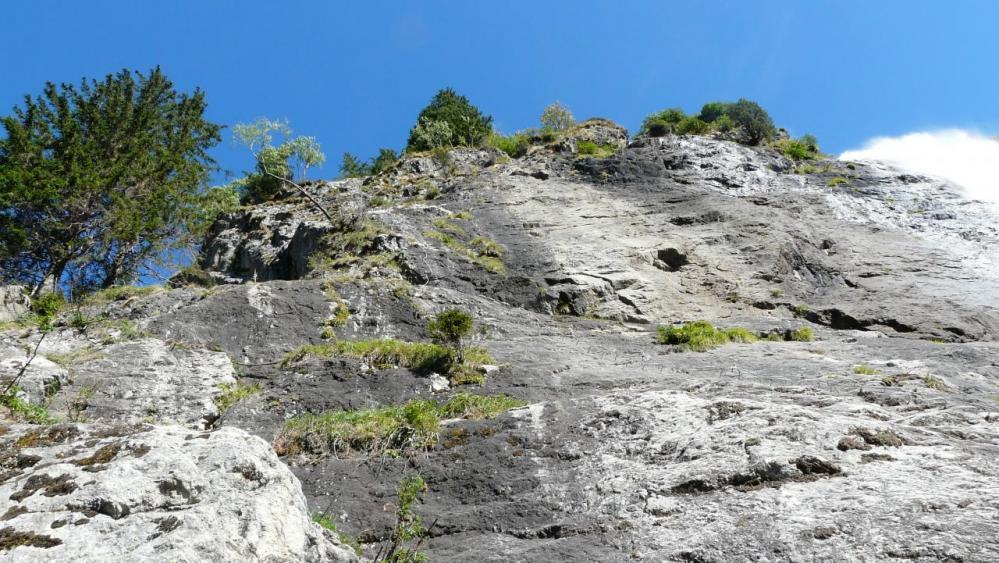 la première face peu impressionnante de la via de la cascade à Vaujany