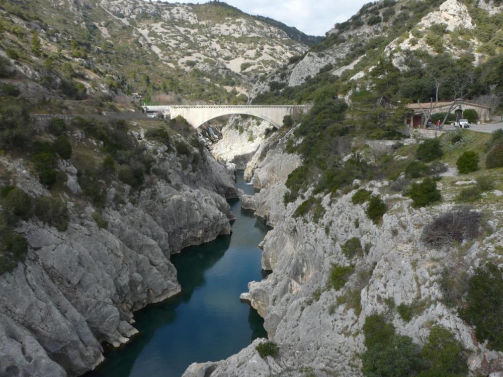 le début des gorges de l' Hérault juste avant St Guilhem le Désert